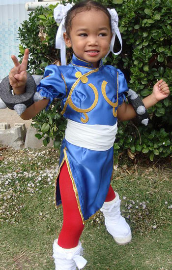 Adonis T.'s daughter Chun Li Costume