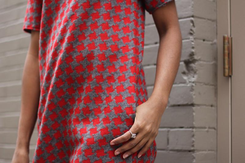 Mood Fabrics DIY Houndstooth Shift Dress
