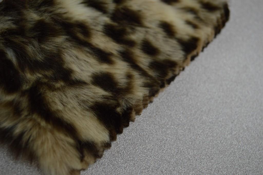 Blunt Cut | Tan/Brown Leopard Knitted Faux Fur