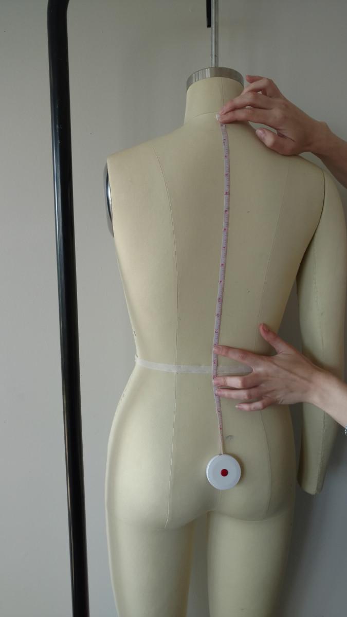 Back Neck to Waist Measurement